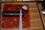резать лучше самым острым ножом - у меня керамический