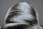 Вот такие интересные зиг-заги получились в процессе вязания шапочки.