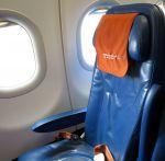 Сиденья внутри самолета