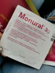 Пакетик препарата Монурал