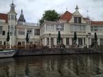 Улица Амстердама, вид с речного трамвайчика