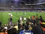 Команды уходят на перерыв (Валенсия-ПСЖ, Mestalla Stadium)