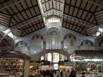 Здание рынка Mercat в Валенсии внутри