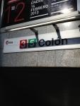 Табличка с названием станции метро в Валенсии
