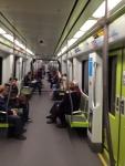 Внутри вагона в метро Валенсии