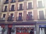 Балконы в Мадриде декорированы фигурами людей :)