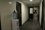 Отель 40-й Меридиан Арбат в Коломне - в проходах стоит кулер с водой
