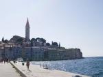 Город Ровинь - море и вид на главную башню города