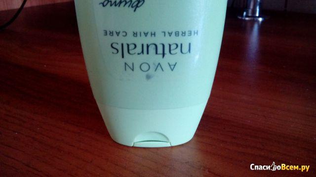 """Питательный шампунь для волос Avon Naturals Herbal Hair Care Фитоукрепление """"Крапива и лопух"""" фото"""