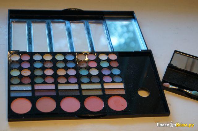 Набор декоративной косметики Ruby Rose Deluxe Make Up Kit №HB 2601 фото