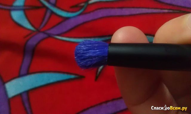 Кисть для макияжа Essence Eyeshadow brush for smoky eyes фото