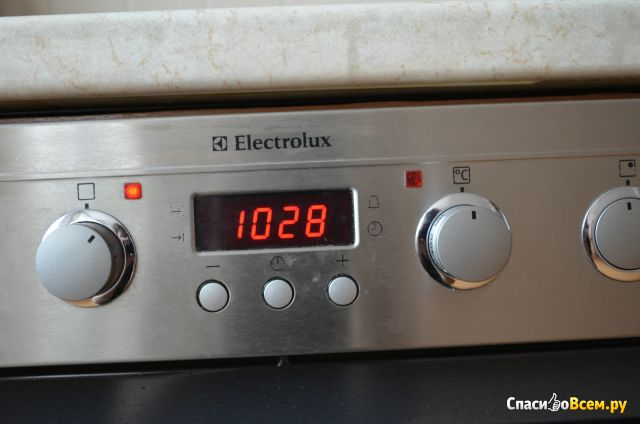 Духовой шкаф Electrolux EOB 33100 X фото