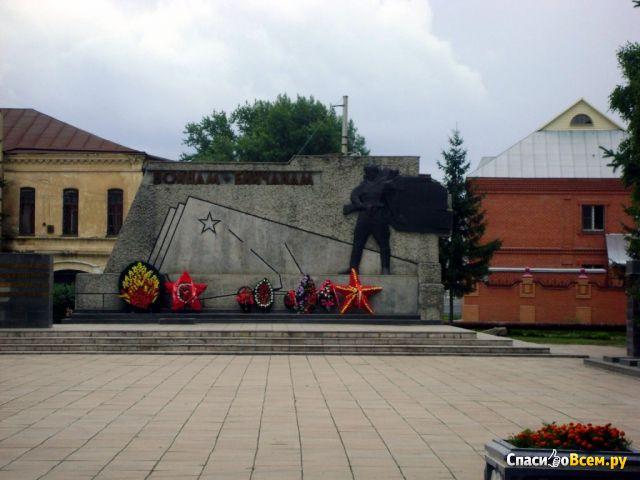 """Мемориал """"Вечный Огонь"""" воинам-бийчанам (Бийск) фото"""