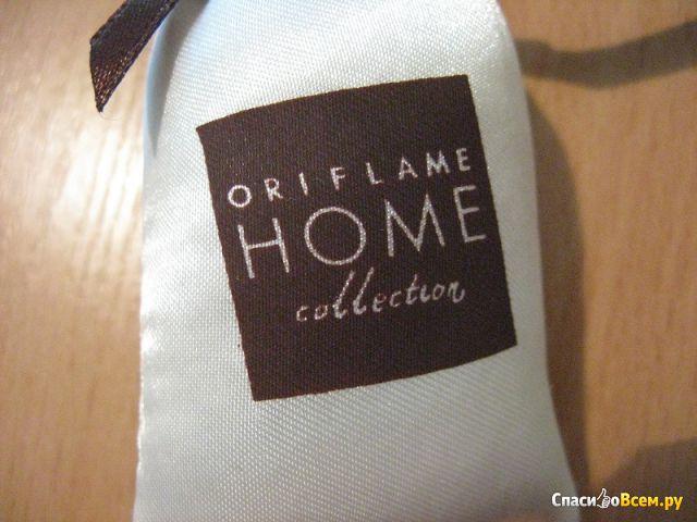 """Ароматизированная подушечка Oriflame Home Collection """"Изысканный ужин в Баден-Бадене"""" фото"""