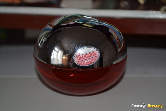 Парфюмерная вода DKNY Red Delicious Delights
