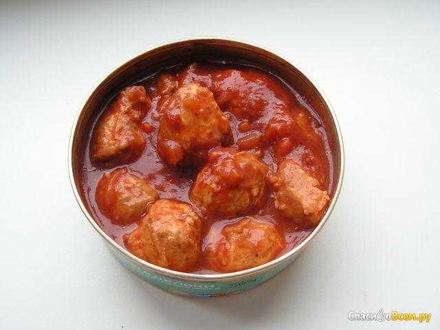 """Фрикадельки """"Легенда Ямала"""" из частиковых рыб с овощным гарниром в томатном соусе фото"""