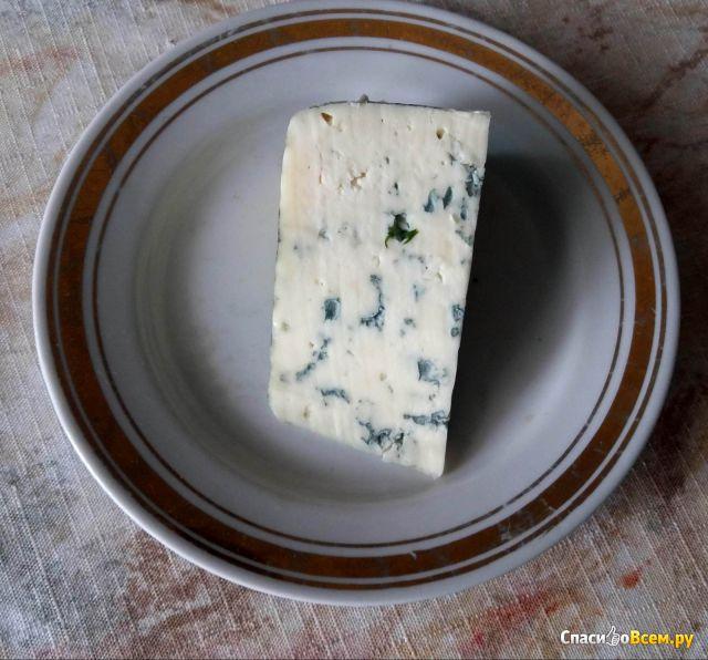 Сыр с голубой плесенью Dorblu Classic фото