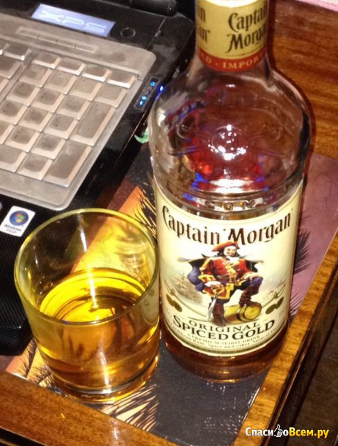 Ром Captain Morgan Spiced Gold фото