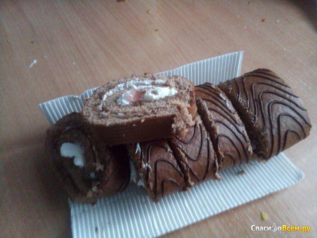 Швейцарский бисквитный рулет Яшкино вишневый фото