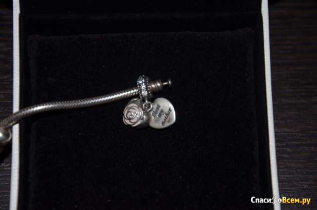 "Шарм-подвеска Pandora ""Мамина роза"" арт. 791528EN40 фото"