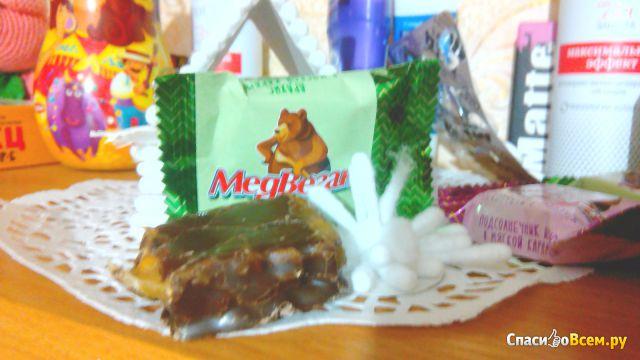 """Конфеты шоколадные Мишкино """"Медвеган"""" арахис в мягкой карамели фото"""