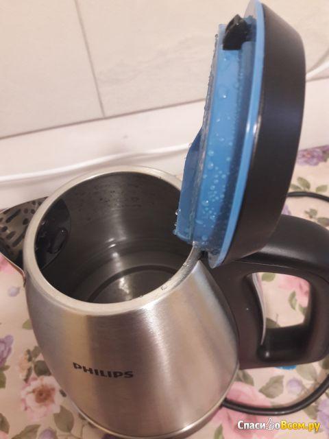 Электрический чайник Philips HD9302 фото