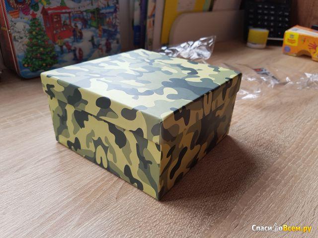 Коробка подарочная Бэст Прайс защитного цвета 15х15 см фото
