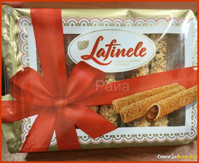"""Вафельные трубочки с шоколадной начинкой в глазури с арахисом """"Lafinele"""" фото"""