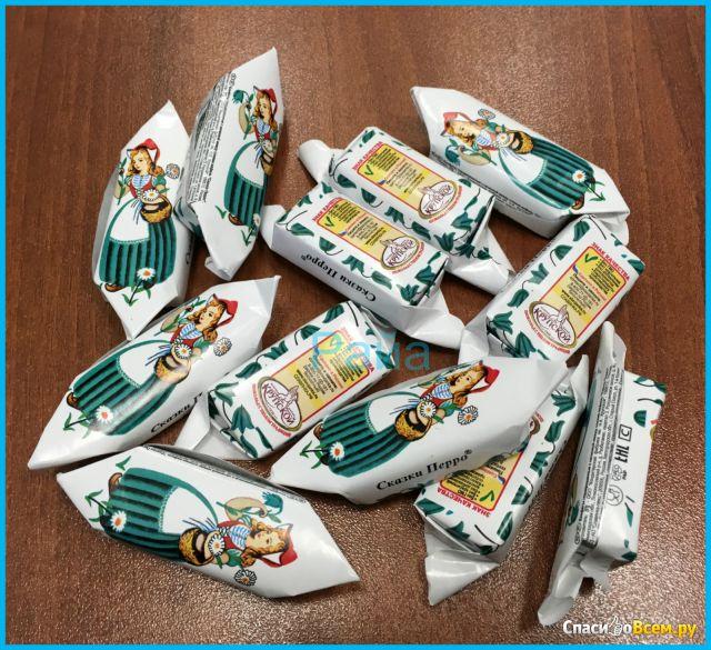 """Конфеты глазированные с начинкой между слоями вафель """"Сказки Перро"""" Фабрика имени Крупской фото"""