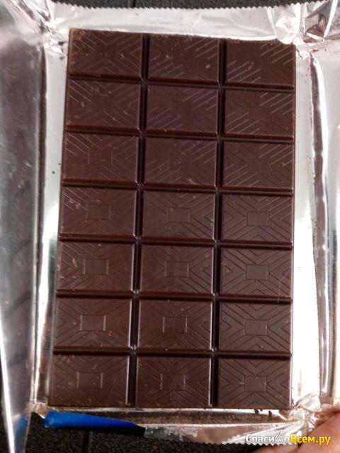 Темный шоколад Cachet Extra dark 70%. фото