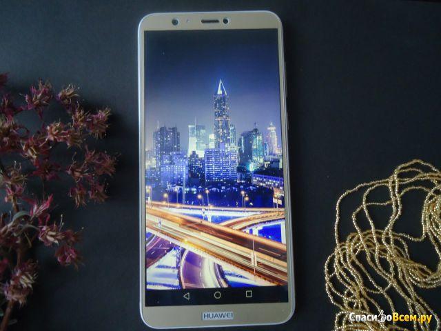 Мобильный телефон Huawei P Smart фото