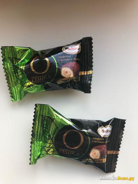 """Конфеты """"Орешка"""" с цельным фундуком со вкусом сливок """"Акконд"""" фото"""