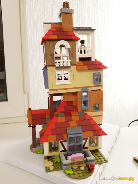 "Конструктор Lego Harry Potter 75980 ""Нападение на Нору"""