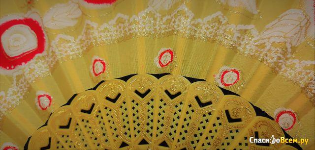 Веер TSUNAMI односторонний пластиковый с цветами 23 см. Арт. F-7609