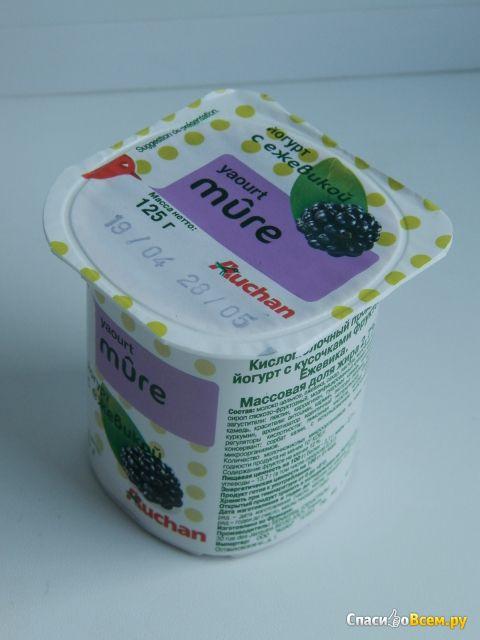 Йогурт Auchan Mure с ежевикой фото