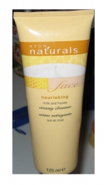 """Очищающее кремообразное средство для лица Avon Naturals """"Молоко и мед"""""""