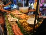 Вечерний рынок Banzaan Fresh Market на Пхукете - большой выбор еды