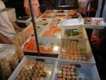 Вечерний рынок Banzaan Fresh Market на Патонге - роллы и суши на любой вкус!
