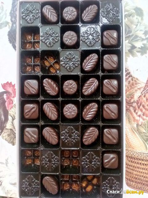 """Шоколадные конфеты Бабаевский """"Ассорти"""" из темного шоколада фото"""