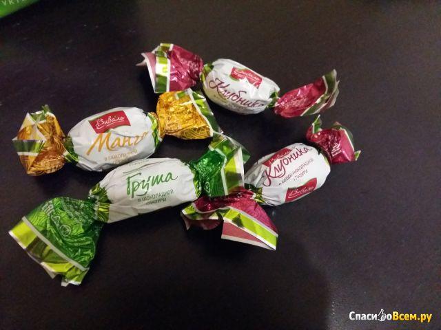 Ассорти фруктов в шоколадной глазури Виваль фото