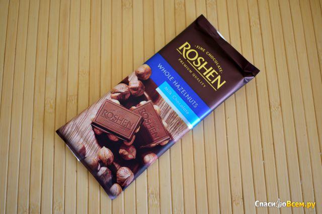 Молочный шоколад Roshen с цельными лесными орехами фото