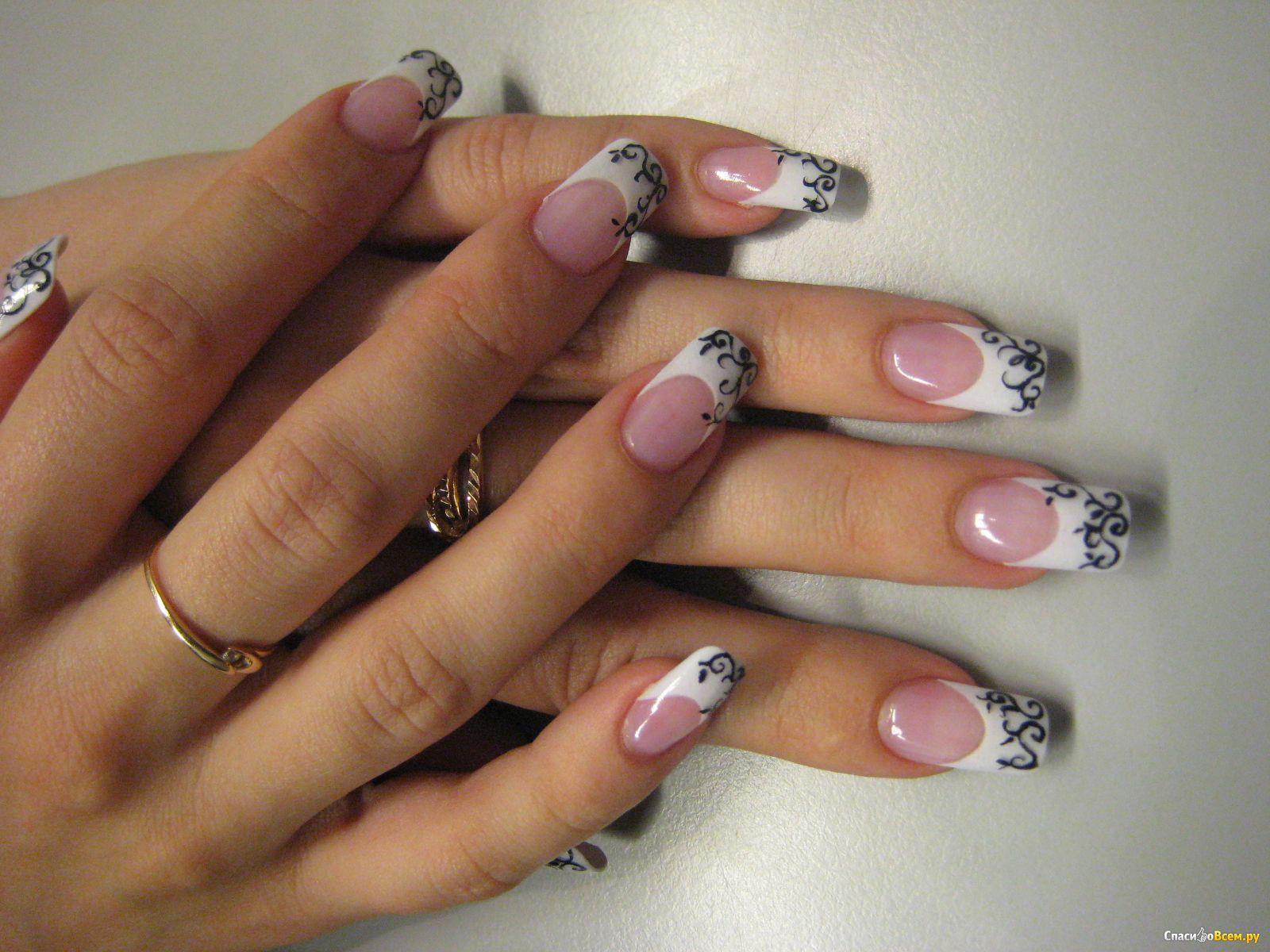 Лебеди на ногтях фото